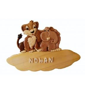 Plaque de porte prénom en bois, Lion / Eléphant