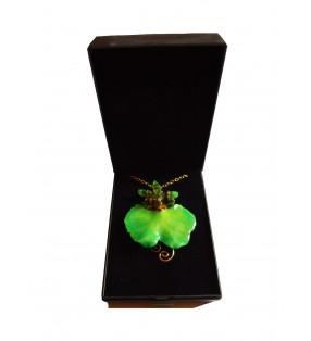 Bijou original doré, orchidée Oncidium, Verte, présenté dans son écrin de velours noir