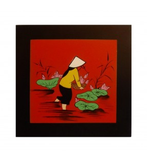 Tableau en bois décor asiatique - Vietnamienne aux fleurs de lotus
