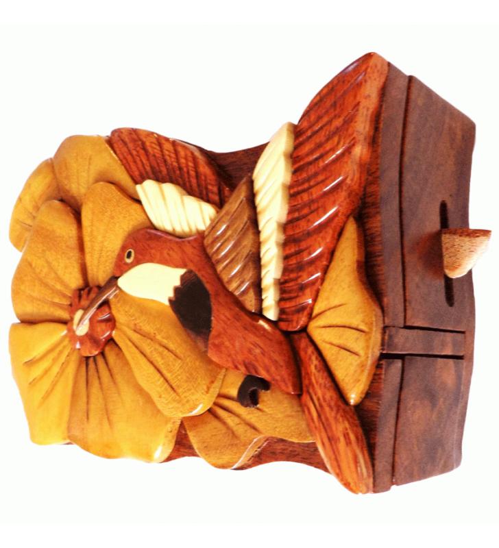 Ouverture mystérieuse de la boîte puzzle secrète à bijoux en bois intarsia, Colibri