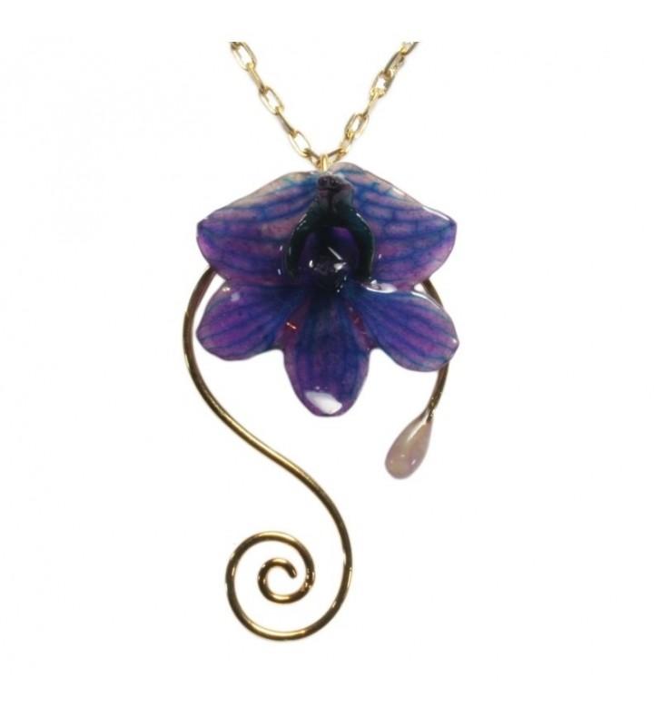 Bijou original orchidée ton bleu, chaîne dorée, forme spirale