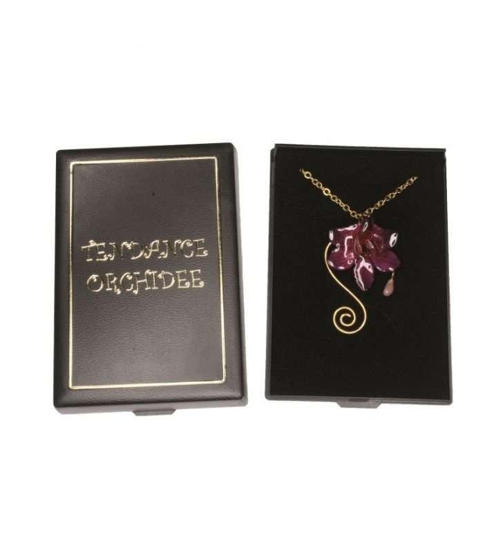 Bijou original orchidée ton rose, chaîne dorée, forme spirale, dans son écrin de velours noir