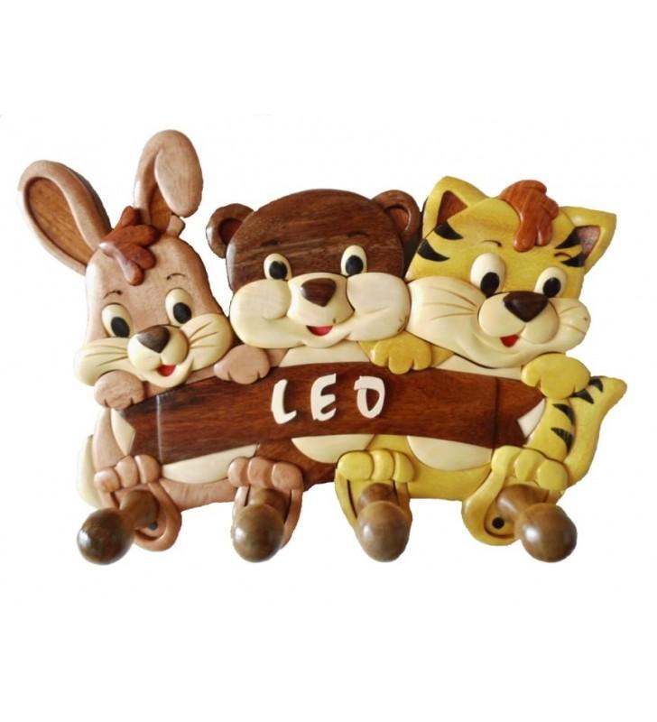 Porte-manteau  avec prénom en bois, Lapinou, Minou et Tigrou