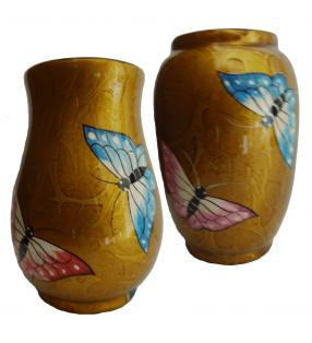 Vases en bois laqué, papillons rose et bleu