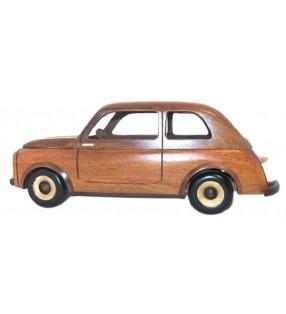 Maquette de la Fiat 500 en bois, déco pour collectionneurs