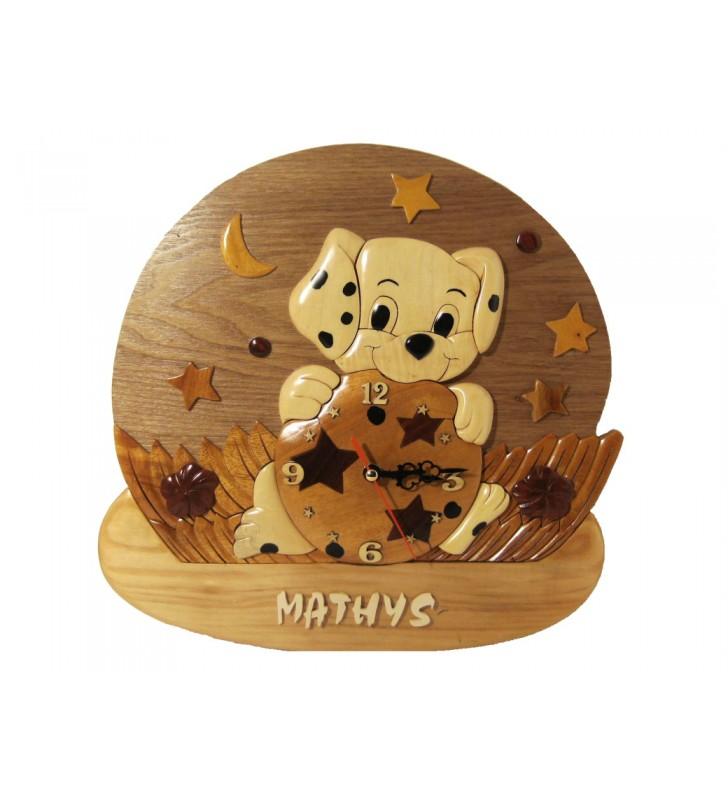 Horloge avec prénom en bois, Chiot Dalmatien, déco pour chambre enfant