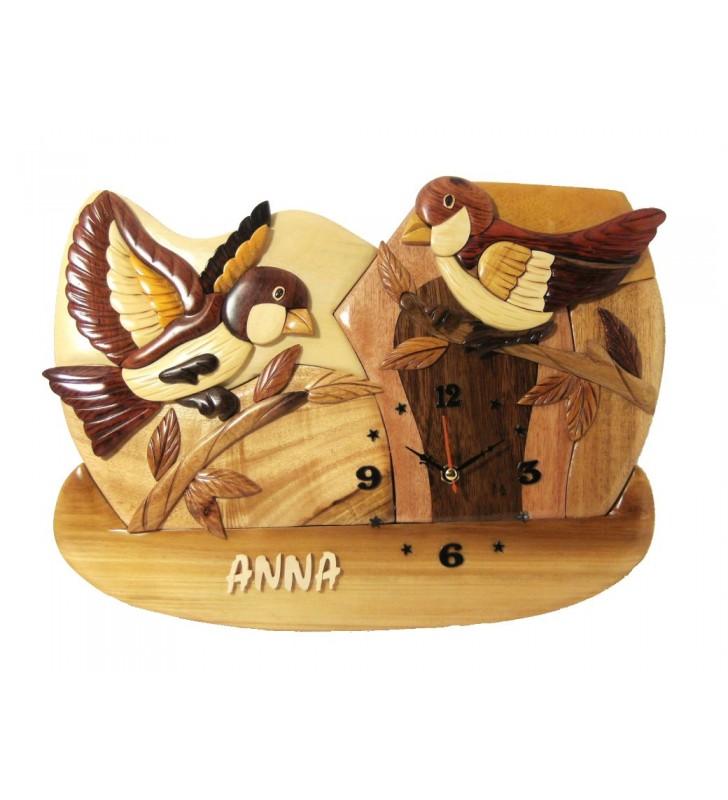 Horloge intarsia avec prénom en bois, Oiseaux, déco pour chambre enfant