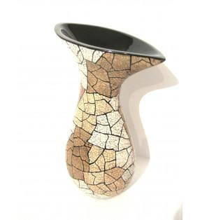 Vase en bois laqué et coquilles d'œufs incrustées