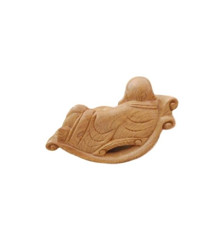 Bouddha rieur sculpté en bois, sur fauteuil