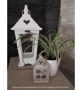 Lanterne et suspension en bois blanchi pour une décoration naturelle et chaleureuse