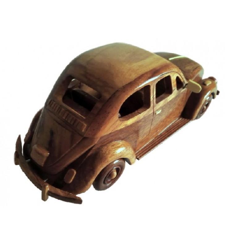 Maquette de la coccinelle Volkswagen en bois