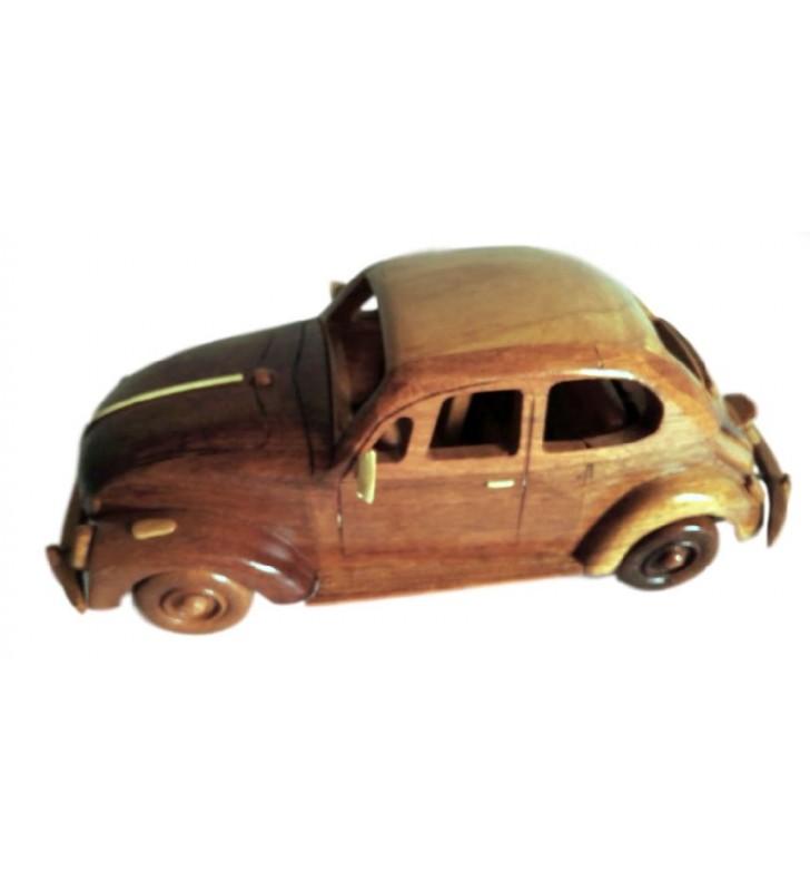Maquette de la Coccinelle en bois