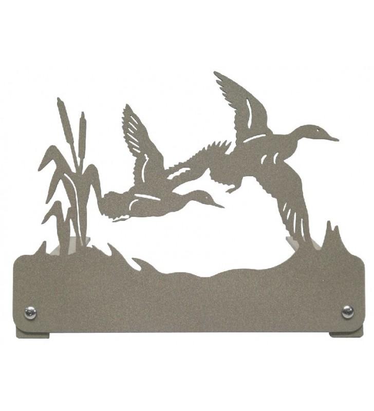 Plaque funéraire en métal, motif canards en vol
